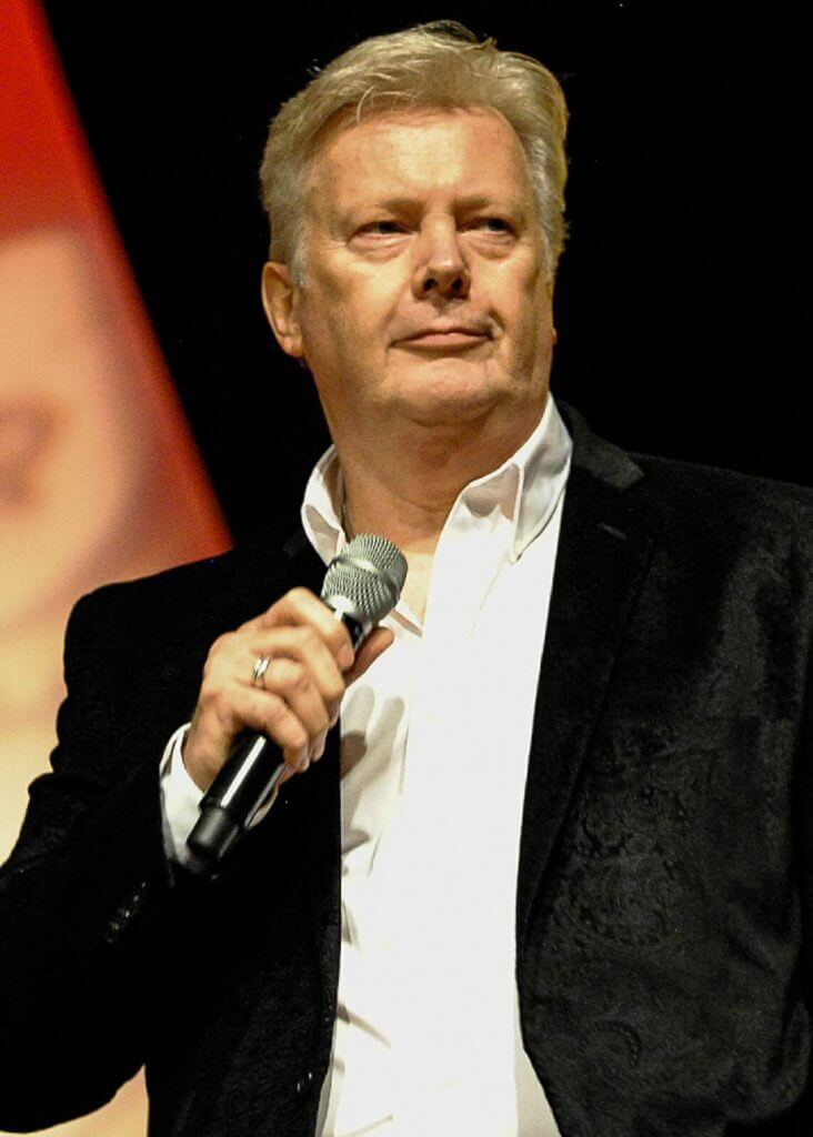 E. Pettersen Singing